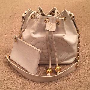 Vintage Chanel White bucket Bag